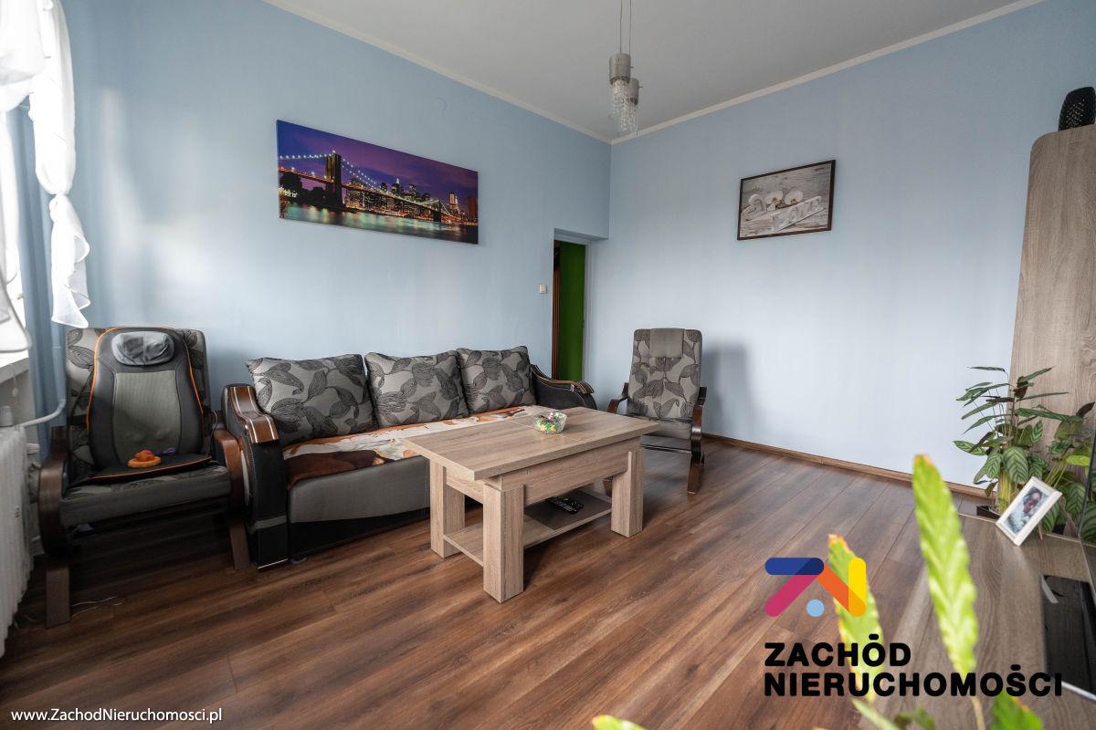 Nieruchomości Nowa Sól - Zadbane mieszkanie z działką i garażem, 3 pokoje 61,2 m2